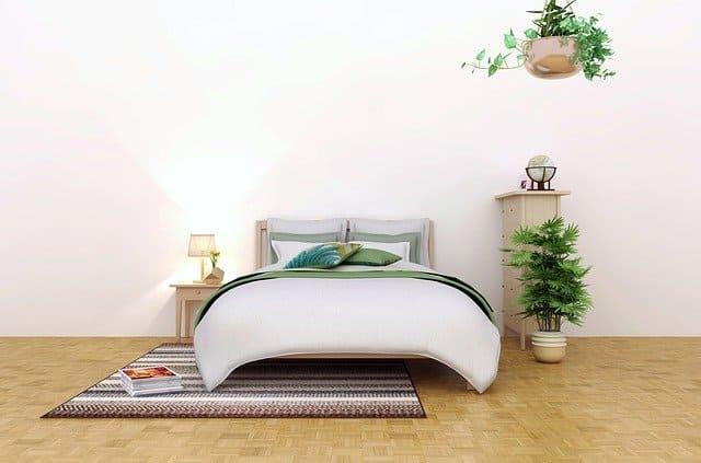 dormitorio decorado con alfombra
