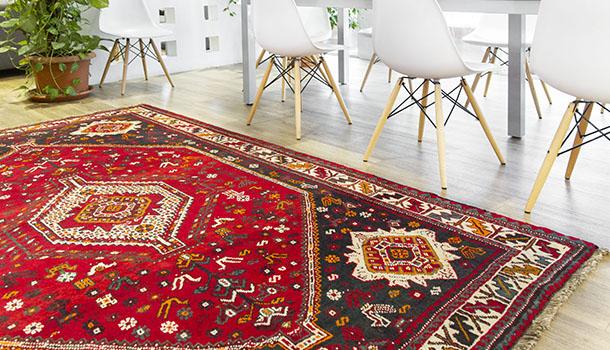 ¿Qué es una alfombra nómada y cómo puedo incorporarla en mi decoración?