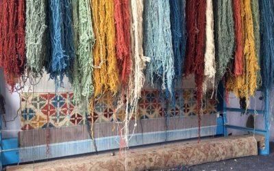 Nudos y el proceso de hacer una alfombra oriental