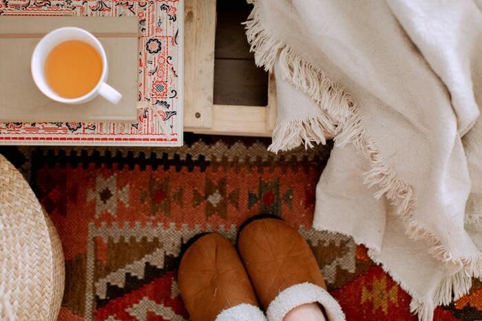 decoracion hogar con alfombra para invierno