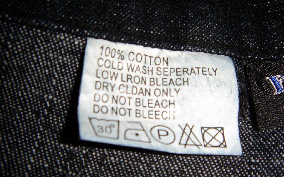 ¿Qué significan los símbolos de las etiquetas de mi alfombra?