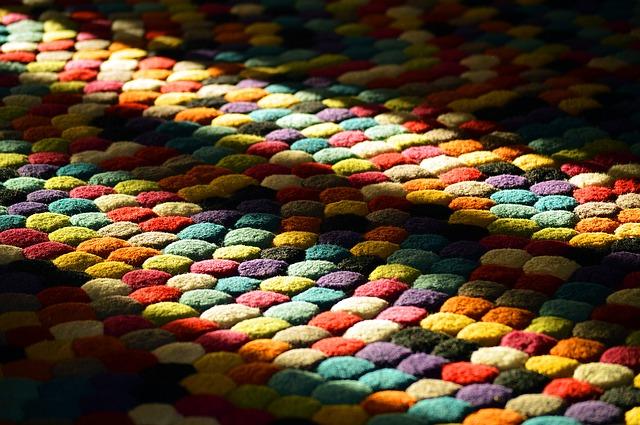Lavar tu alfombra a mano: consejos, jabones y secado